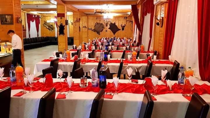 sala locatie restaurant Banchete scolare petreceri scolare complex Dracula