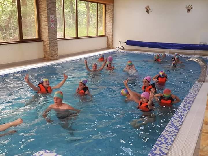Banchete scolare piscina Complex Dracula banchet cu piscina locatie banchet