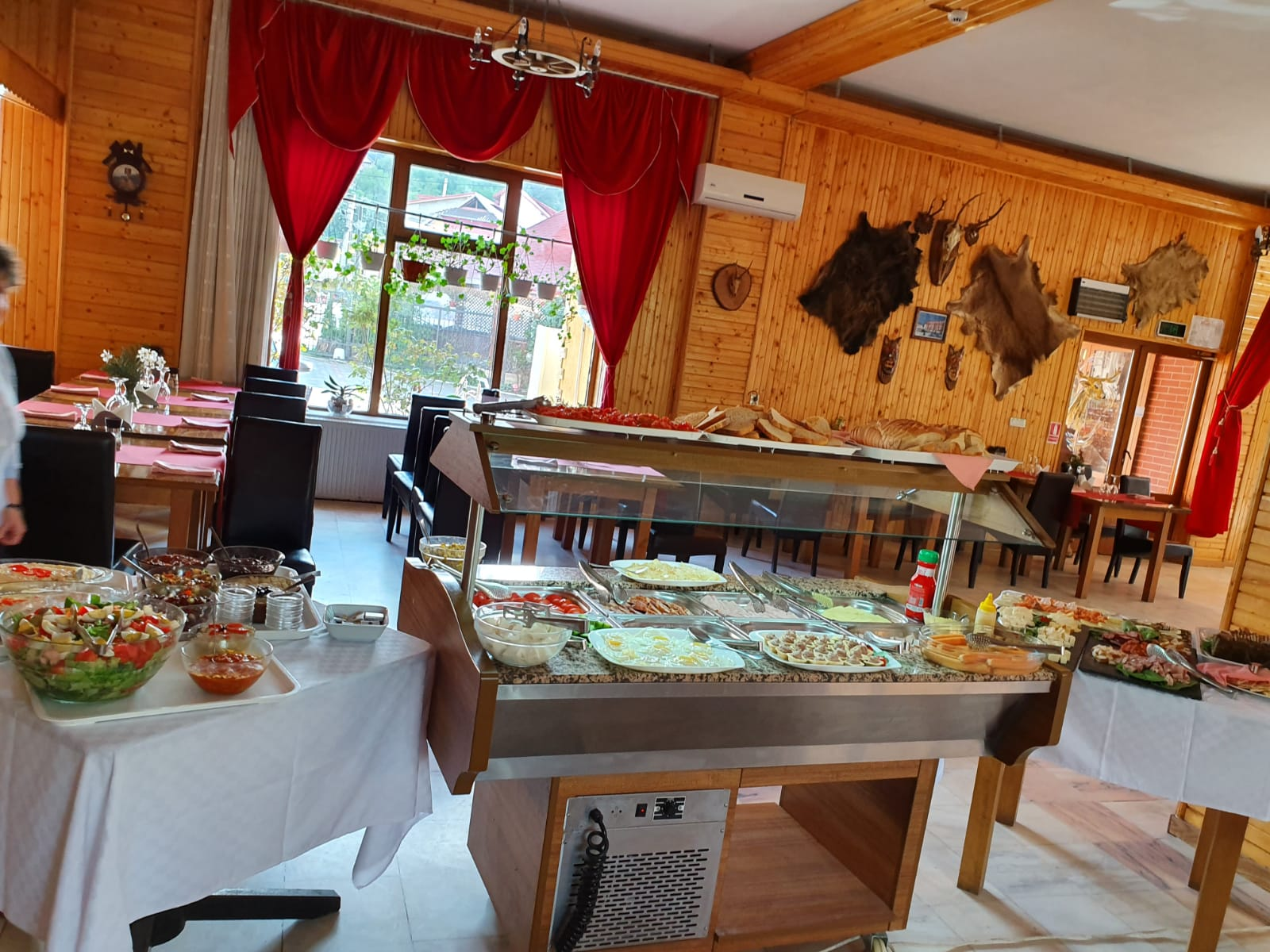 Restaurant bufet meniu restaurant Transfagarasan pensiune restaurant arges