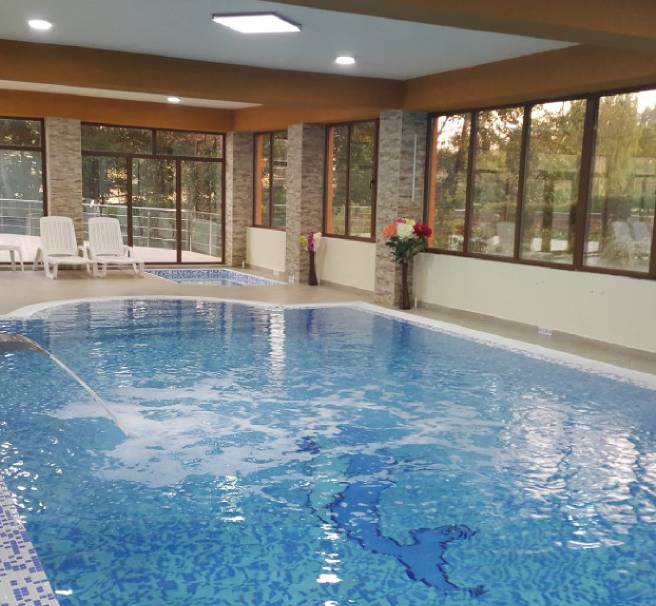 Oferta cazare ieftine Pensiune piscina jacuzzi restaurant apa fitness
